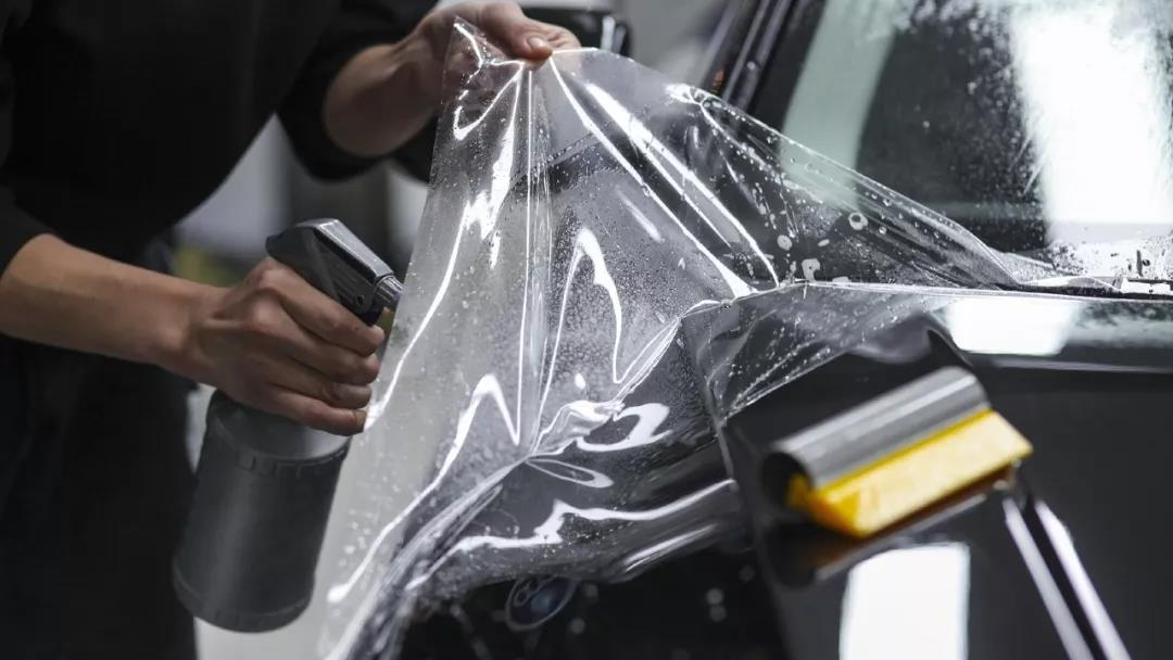 汽车贴改色膜后应该如何进行保养?